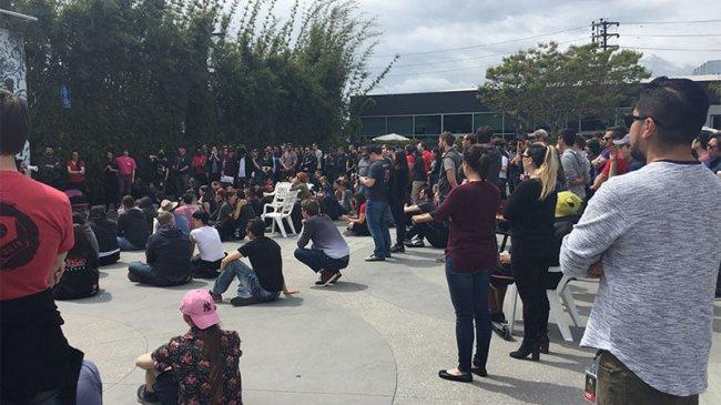 Сотрудники Riot Games устроили забастовку