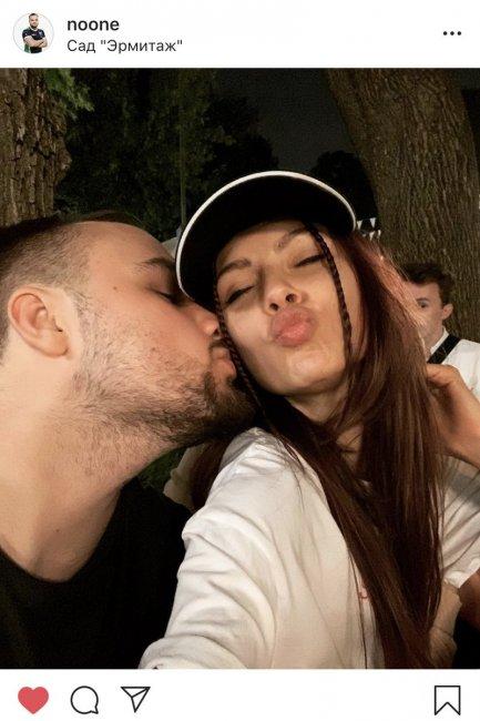 No[o]ne выложил фото, где он целует бывшую участницу группы «SEREBRO»