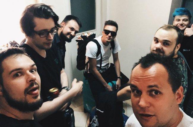 Virtus.pro отправилась на буткемп перед The International в Киев