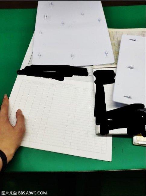 В сети опубликовали заводские снимки белых панелей PS5 - Игры