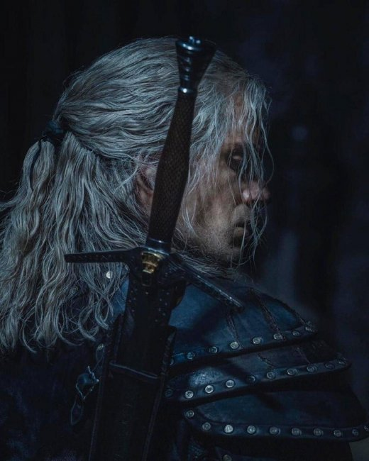 Генри Кавилл показал броню Геральта во втором сезоне «Ведьмака» - Игры