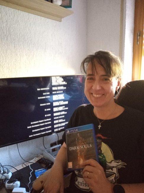 Мать геймера прошла Dark Souls «сквозь кровь, пот и слезы» - Игры