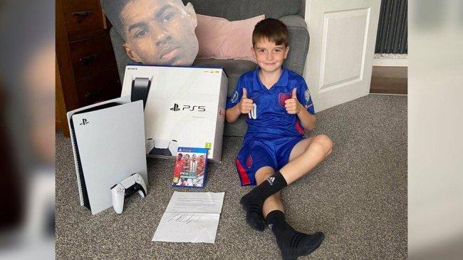 Футболист Маркус Рэшфорд подарил 9-летнему мальчику PS5 за участие в благотворительности - Игры