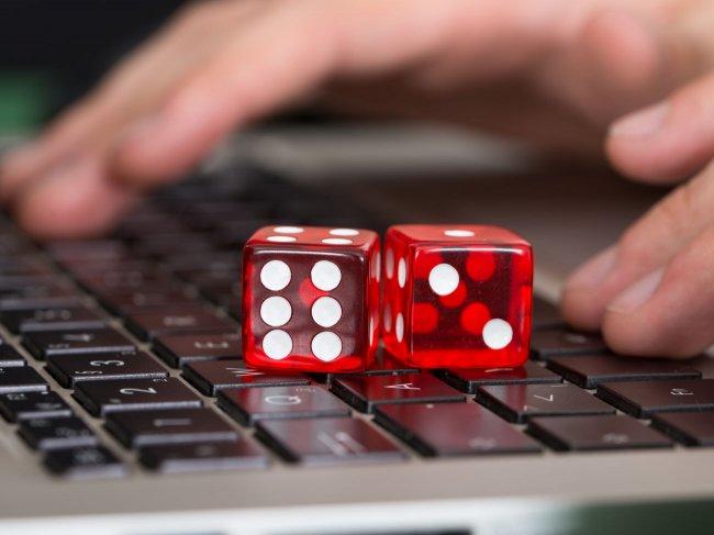 Сколько человек фанатеет от азартных онлайн-игр?